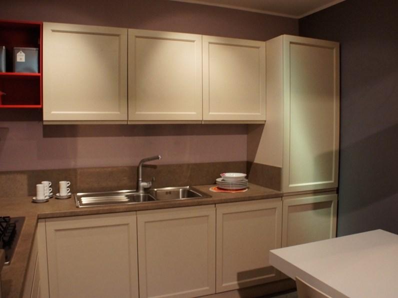 Cucine Moderne Con Gas Ad Angolo : Cucina moderna creo kitchens ad angolo mod selma in offerta