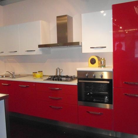 Cucina moderna cucinesse laminato lucido cucine a prezzi for Cucina moderna laccata lucida