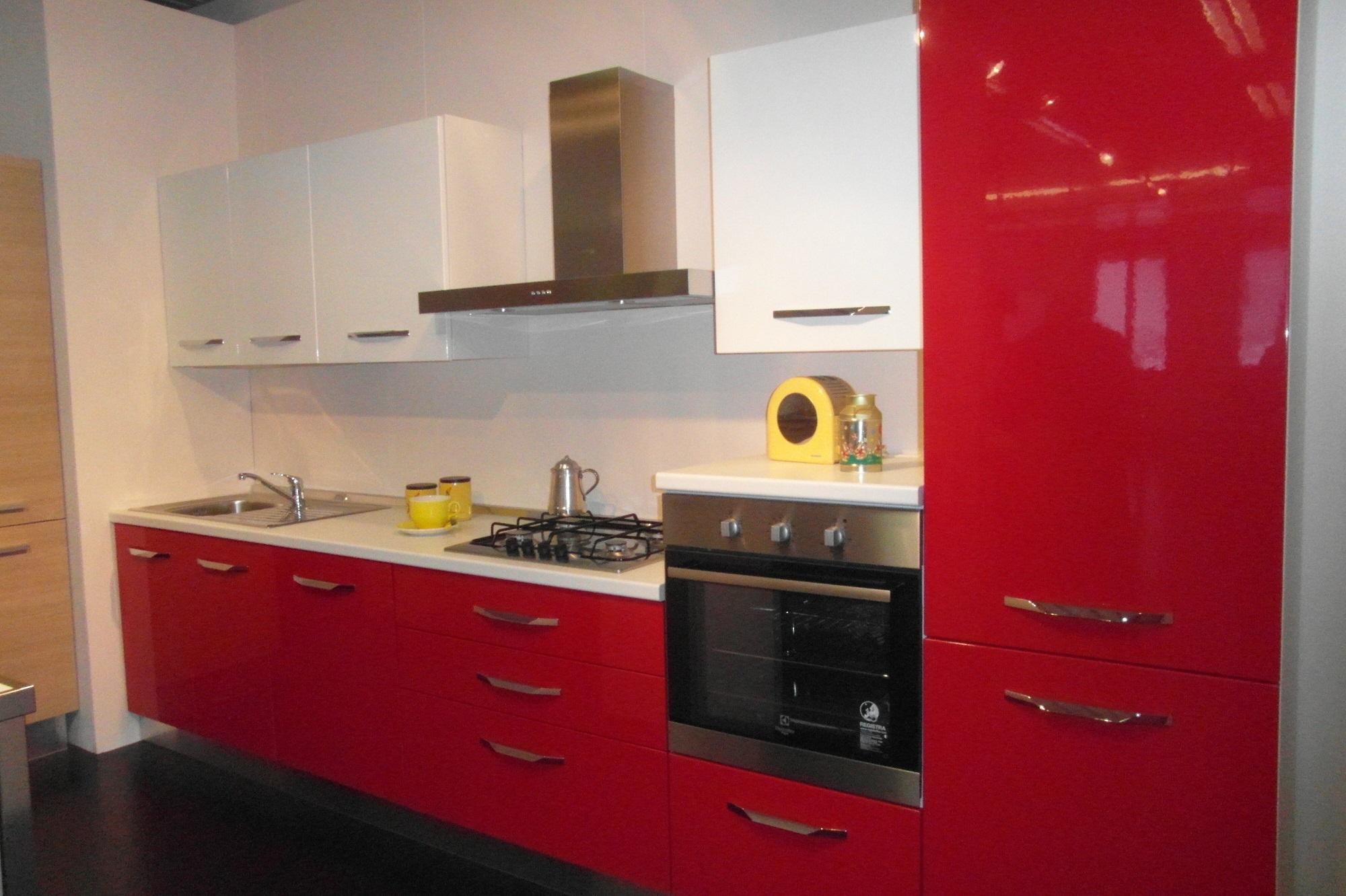 Cucina Moderna Lucida : Cucina moderna cucinesse laminato lucido cucine a prezzi