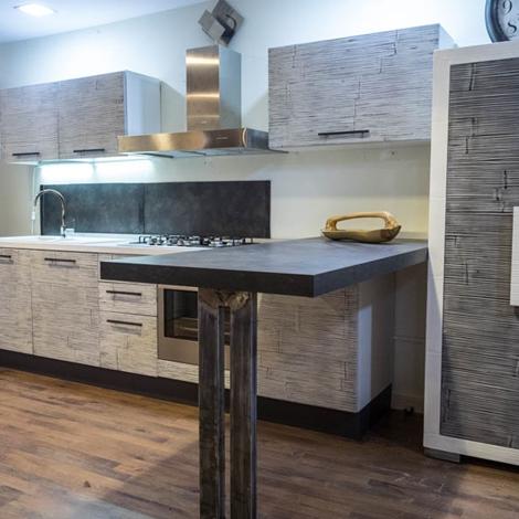 Cucina moderna etno grigia in crash bambu e legno cucine for Cucina moderna prezzi