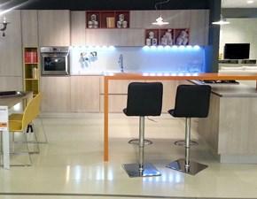 Cucina moderna Grafy in rovere materico e pensili colorati