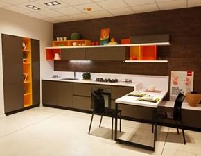 Cucina moderna grigio Scavolini con penisola Foodshelf inside scontata