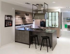 Cucina moderna grigio Scavolini con penisola Mia scontata