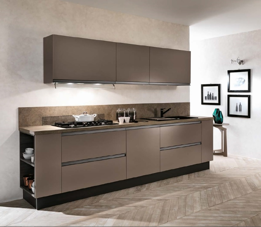 Cucina moderna in offerta con gola scuro anta laccata - Cucine 3 metri scavolini ...