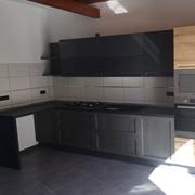 cucina moderna island  con penisola in essenza rovere e grafite in offerta convenienza