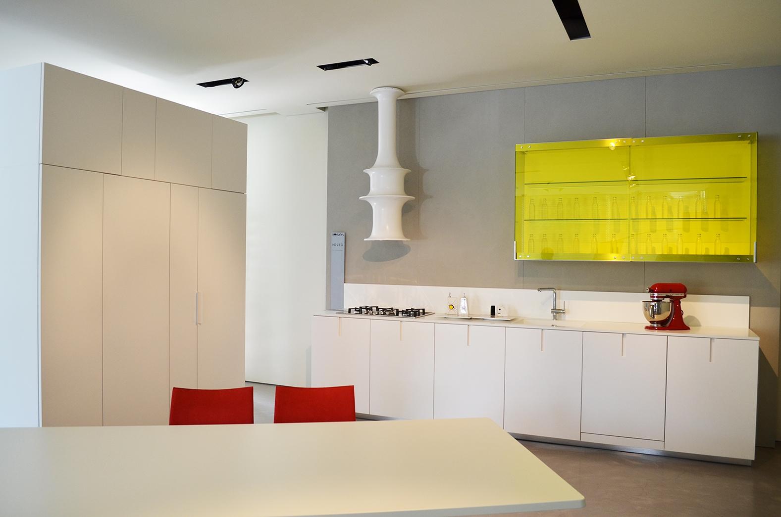 Cucina moderna hd23 rossana sconto 50 cucine a prezzi - Top cucina corian prezzi ...