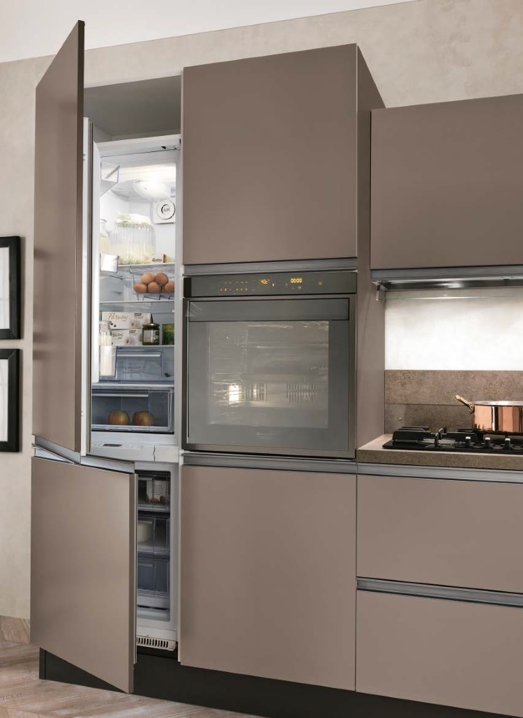 cucina moderna laccata caffe in gola essenza titanio brown con ...