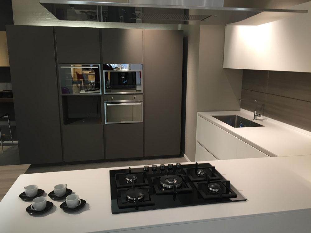 Cucina moderna laccata modulnova scontata del 51 cucine - Cucina moderna laccata ...