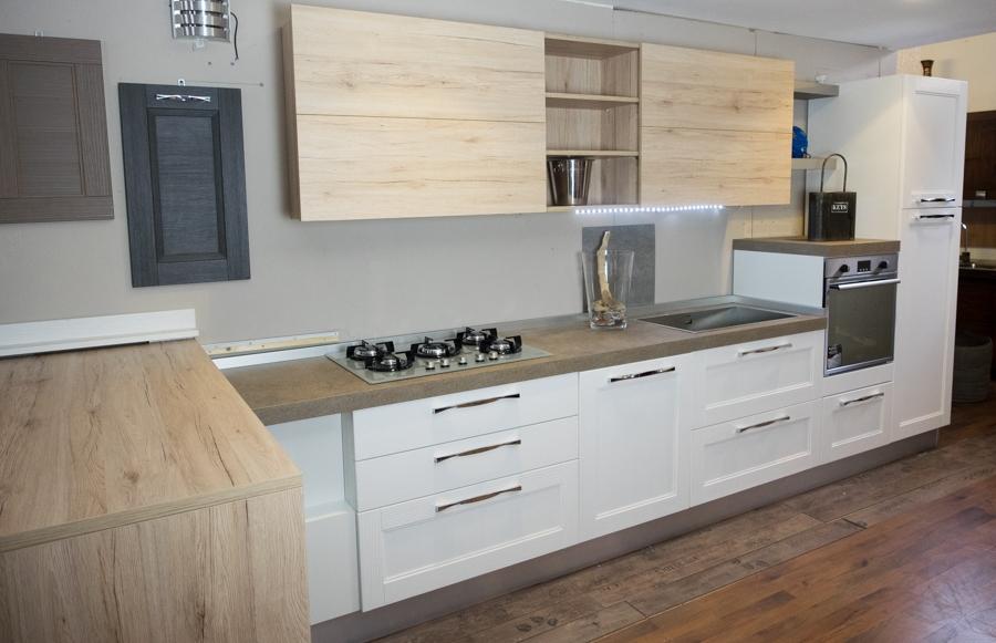 Cucina moderna legno white e rovere con penisola mobile for Penisola mobile cucina