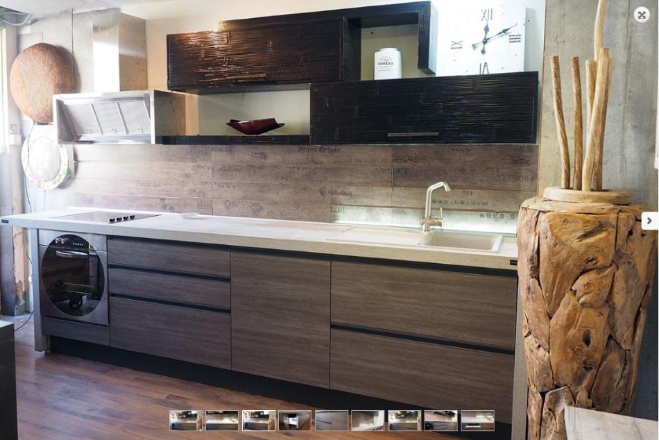 cucina moderna linea industrial in grigio e crash bambu noce in offerta