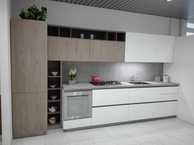 Cucina moderna lineare Artigianale Mod.016 a prezzo scontato