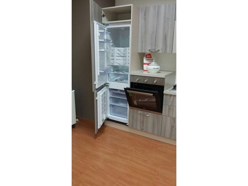 Cucina moderna lineare di net cucine new smart 330 a - Cucina moderna prezzo ...