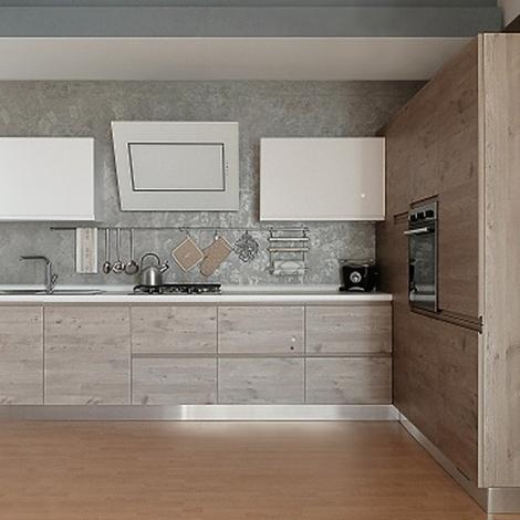 Cucina finitura effetto legno con dispensa ad angolo - Cucina laminato effetto legno ...
