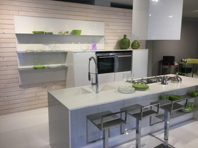 Cucina moderna lineare Doimo cucine Aspen a prezzo ribassato