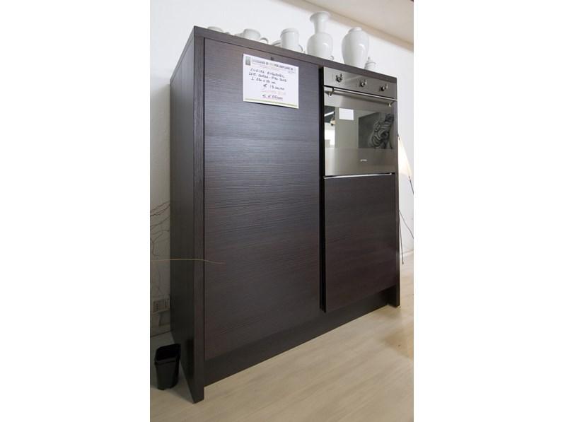 Cucina moderna lineare filotabula euromobil laccata e legno for Cucina moderna 3 60