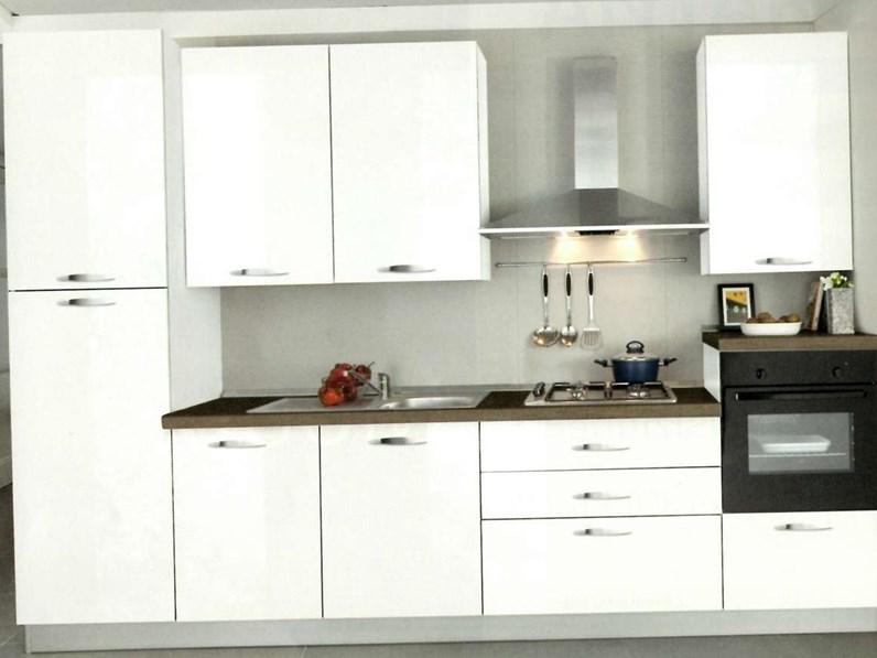 Cucina moderna lineare Mobilturi cucine N2 a prezzo scontato
