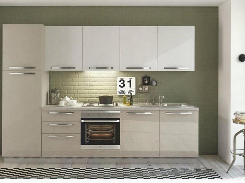 Cucina modello Cloe della collezione Arredo3 cucine scontata del 50%