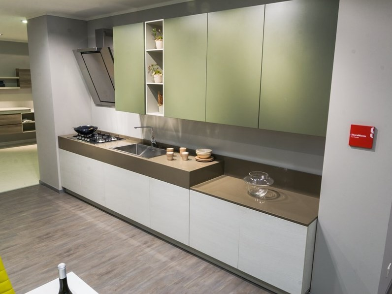 Cucina moderna lineare Scavolini Liberamente a prezzo scontato