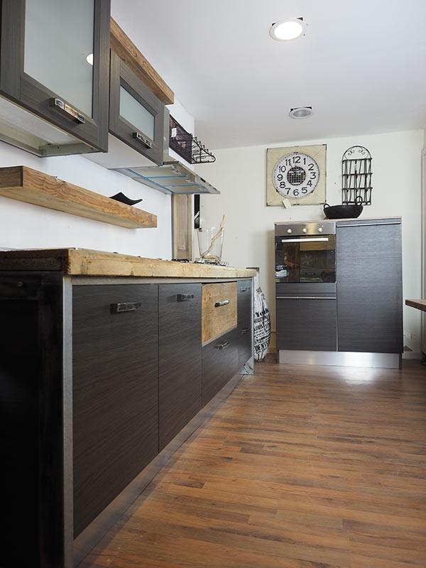 cucina moderna lineare vero industriale legno e ferro in offerta ...