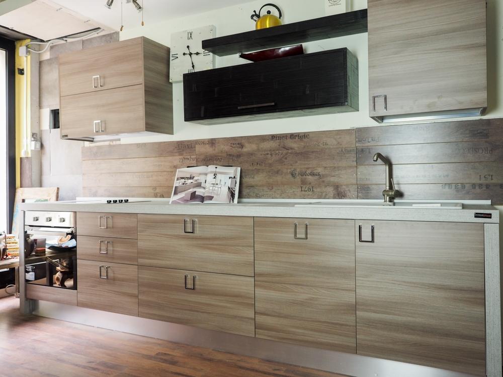 Cucina moderna lineare zen offerta convenienza con maniglia ...