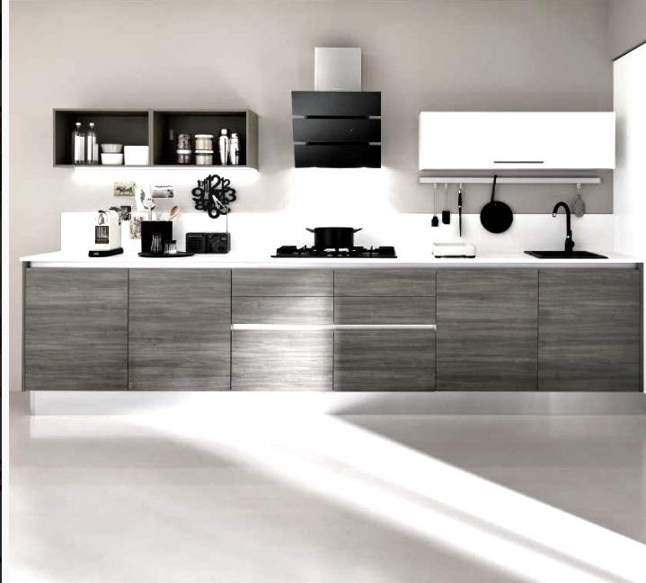 Cucina moderna minimal essenza con gola in grigio e beige for Grigio e beige arredamento