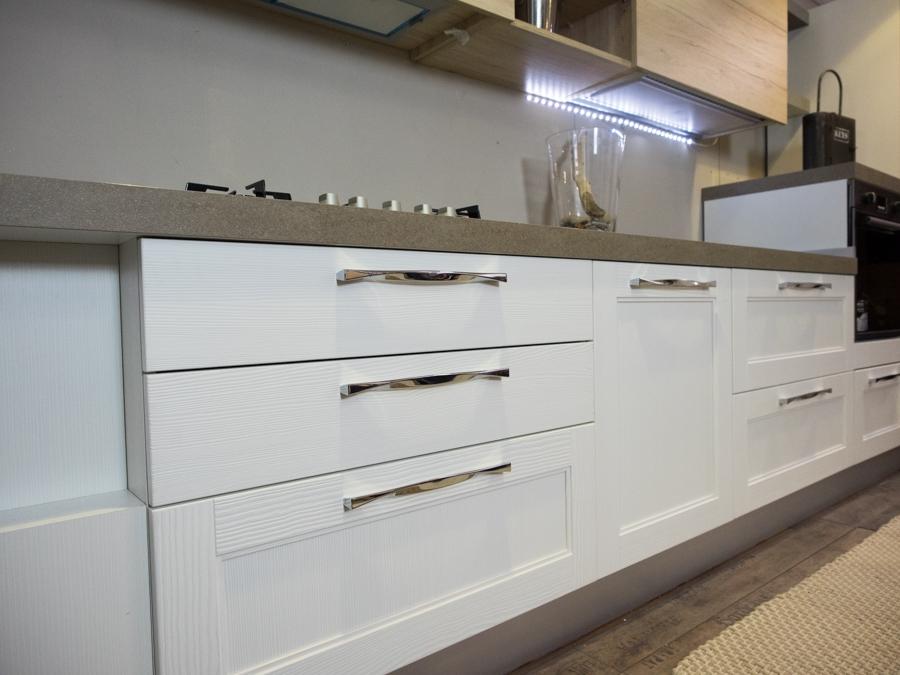 cucina moderna shabby vintage con penisola mobile in offerta - Cucine a prezzi scontati