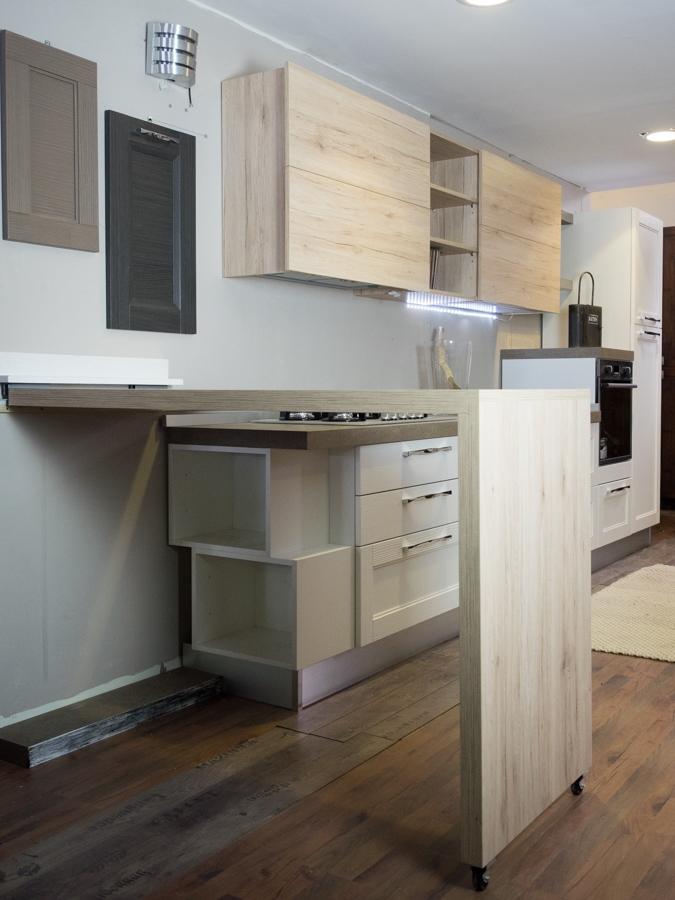 Cucina moderna shabby vintage con penisola mobile in - Cucina a mobile ...