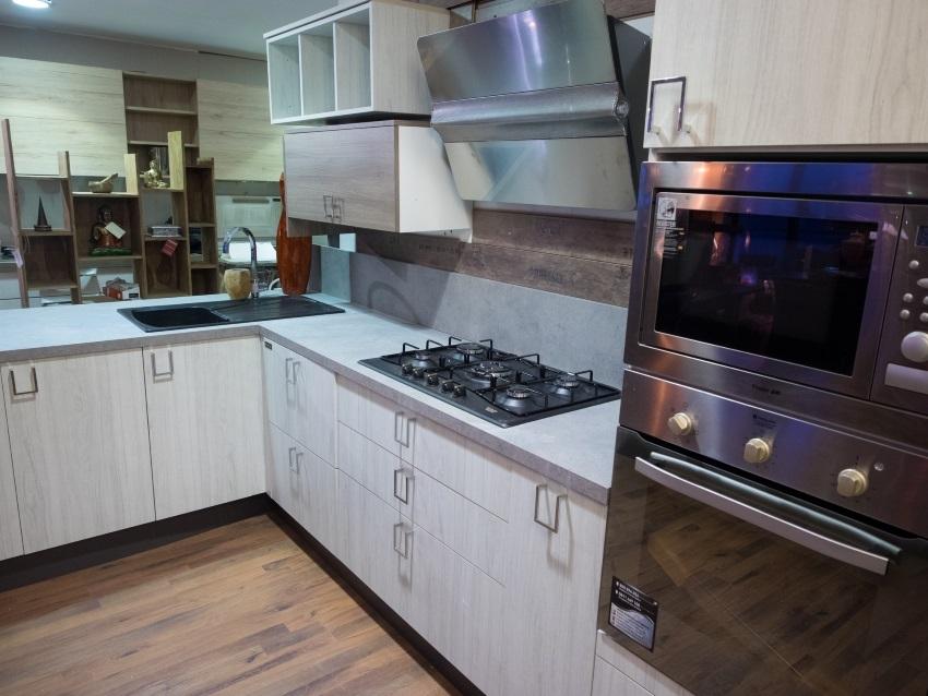 Cucina moderna vintage in offerta outlet completa con - Cucina con vale ...