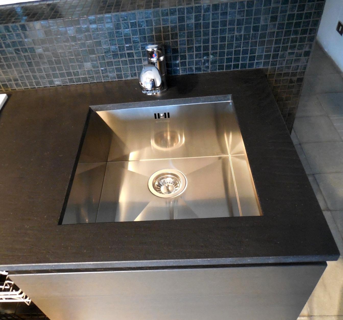 Cucina modulnova cucina modulnova neff outlet sconto 54 design cucine a prezzi scontati - Cucina 1000 euro ...