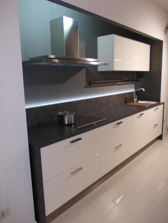 Cucina modulnova my kitchen polimerico lucido cucine a - Cucine modulnova prezzi ...