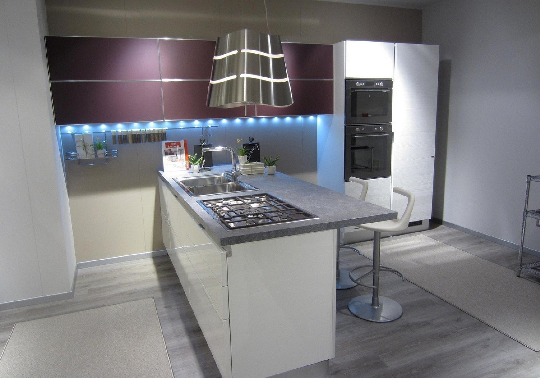 Cucina scavolini mod scenery in offerta cucine a prezzi - Cucina bianca laccata lucida ...