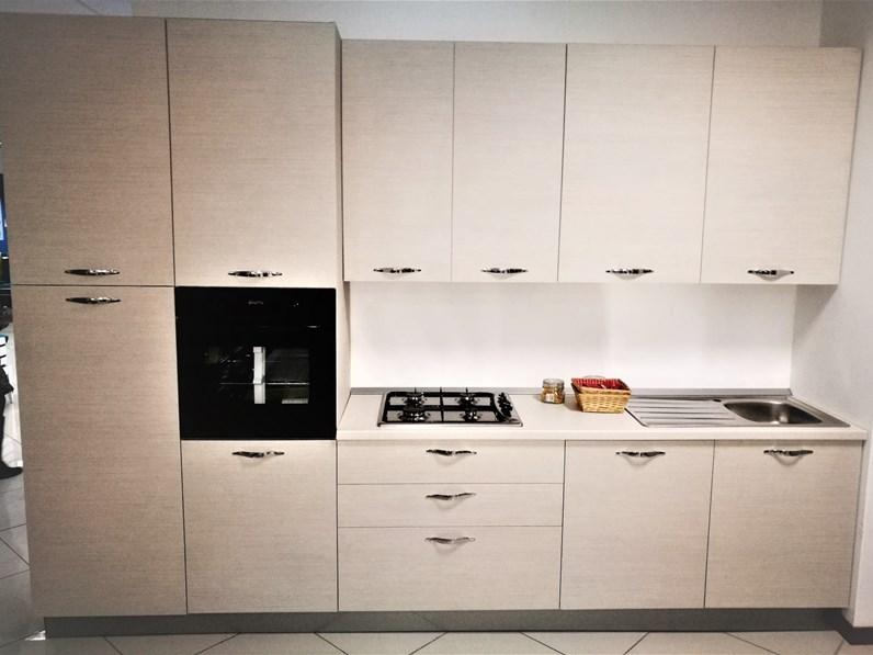 Cucina net cucine moderna lineare larice in laminato for Mercatone dell arredamento fizzonasco
