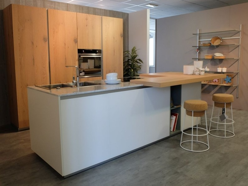 Cucina new aspen design rovere nodato e vetro bianco ad - Cucina rovere bianco ...