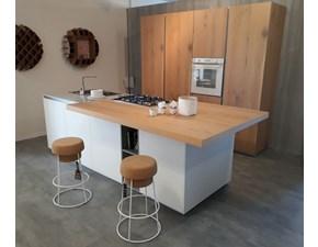Cucina New Aspen design rovere nodato e vetro bianco ad isola Doimo cucine