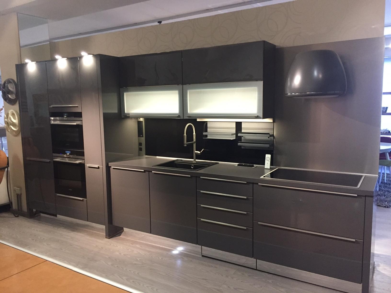 Cucina lineare a prezzi scontati cucine a prezzi scontati - Pitturare mobili cucina ...