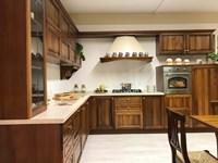 Cucina noce classica ad angolo Aurora di Gm cucine in offerta ...