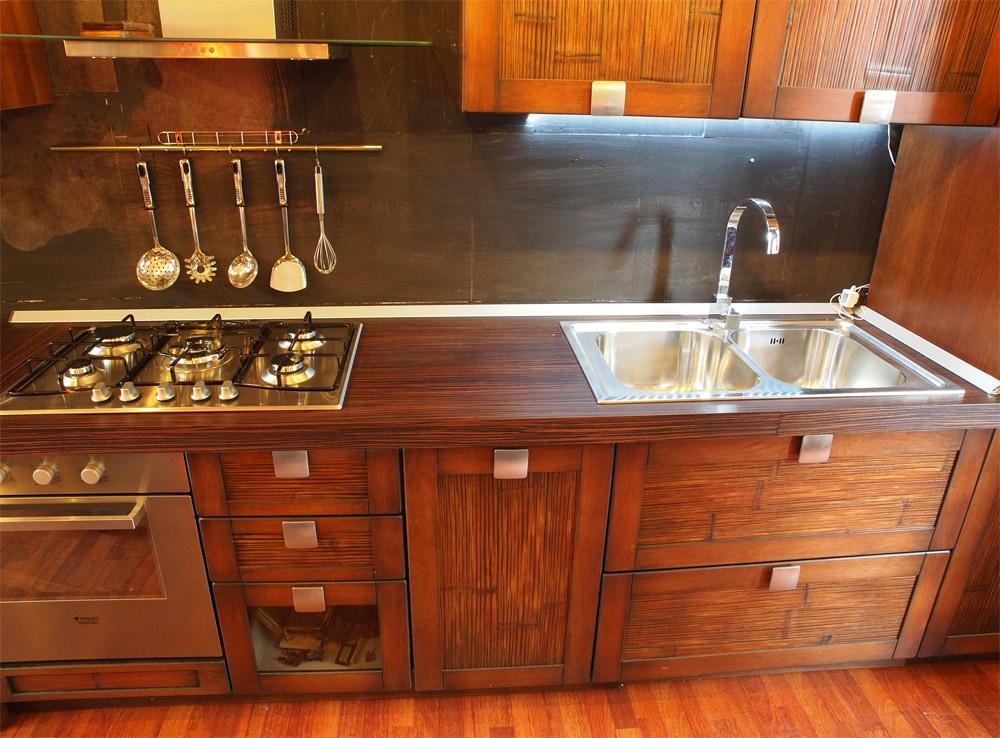 Cucina nuovi mondi cucine composizione cucina in legno etno bambu etnico legno noce cucine a - Cucine etniche arredamento ...