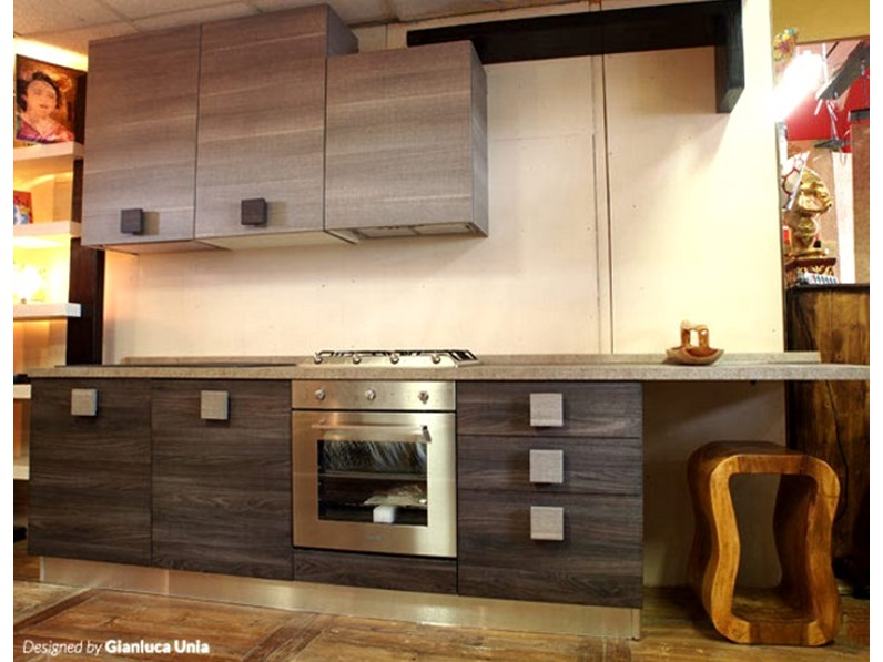 Cucina design etnico quadra scontato del 50 for Cucine di design outlet