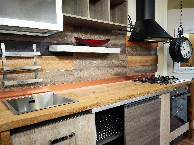 Cucina nuovi mondi cucine cucina industriale con top rovere e fianchi rovere indiano in offerta - Top cucina legno ...