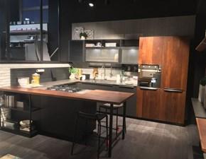 Cucina Oltre moderna antracite con penisola Lube cucine