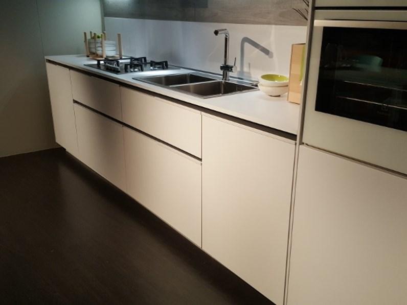 Cucina Orange evo design bianca lineare Snaidero