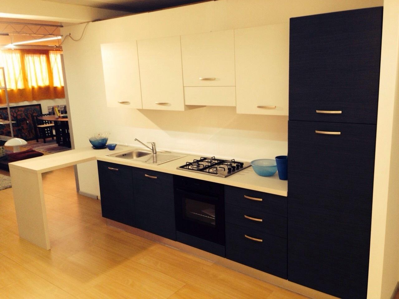 Cucina outlet mt 3 penisola cucine a prezzi scontati - Cucina 3 metri angolare ...