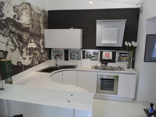 Cucine Moderne Con Isola Curva