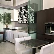 Cucina RB Rossana Etna - bianco lucido laccato - vetro decoro fly - colonne amalfi full ( Del Tongo ) quercia taquara Design.