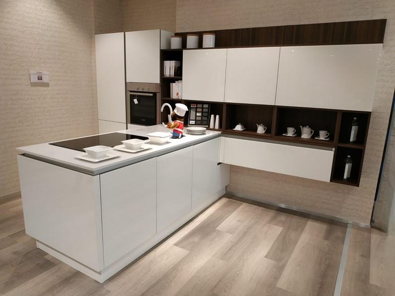 Cucine A Scomparsa Veneta Cucine.Cucina Riflex Moderna Bianca Con Penisola Veneta Cucine