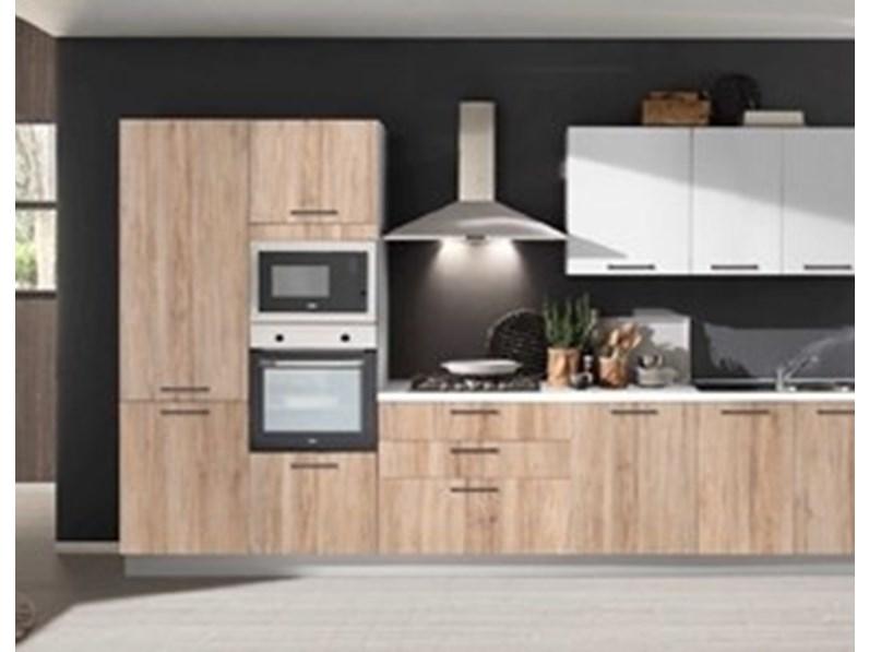 Cucina rovere chiaro design lineare cleo mobilturi cucine for Cucine di design outlet