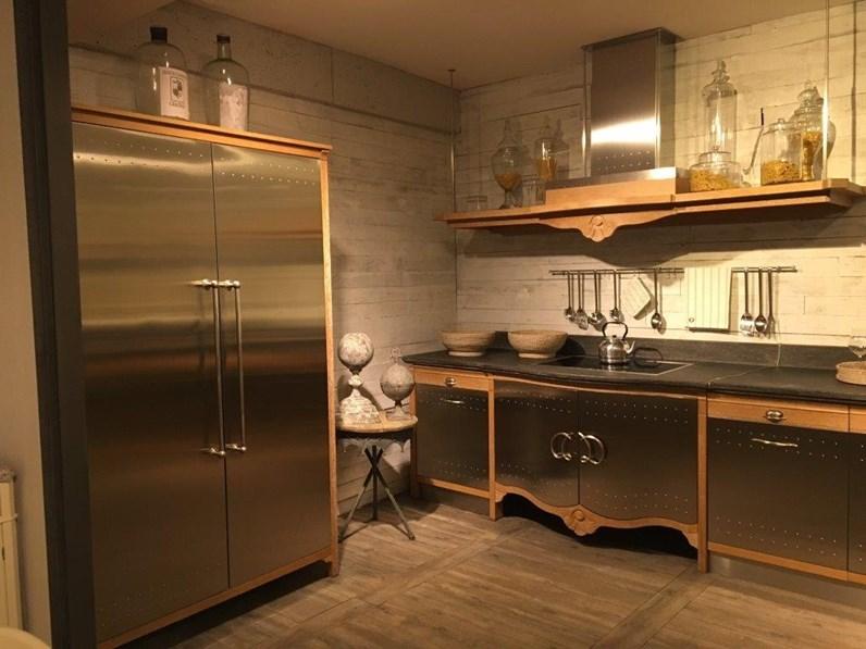Cucina rovere chiaro e acciaio classica ad angolo, Dechora elegance ...