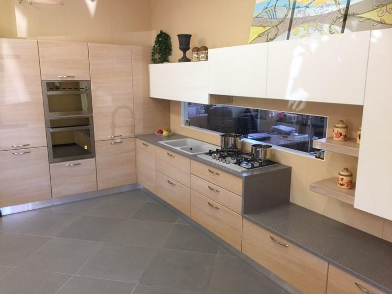 Cucina rovere chiaro moderna ad angolo jessica idema casa - Cucine in rovere chiaro ...