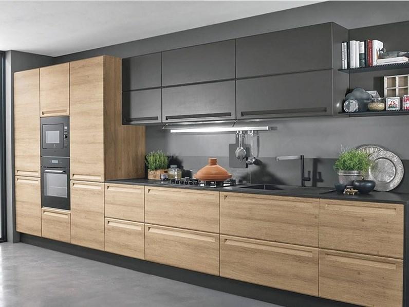 Cucina Moderna In Rovere Sbiancato.Cucina Rovere Chiaro Moderna Lineare Cucina Moderna Lineare In Offerta Compresa Di Colonne Grigio E Olmo