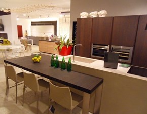 Cucina rovere moro moderna ad isola Twenty Modulnova in Offerta Outlet